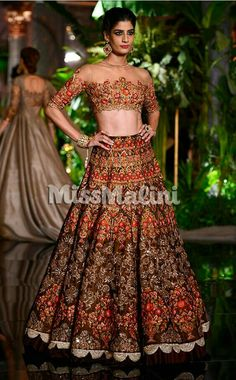Manish malhotra design indian couture week Manish Malhotra Designs, Manish Malhotra Bridal, Bridal Lehenga, Indian Dresses, Indian Outfits, Pakistani Wedding Outfits, Indian Bridal Fashion, Indian Couture, Couture Week