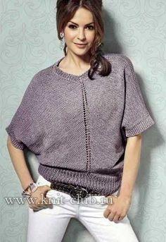Свободный вязаный пуловер спицами