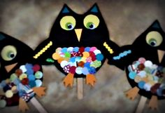 WHOOO doesn't love an easy & adorable owl craft?  We made these for my daughter's class party this week... Happy Owl-oween!  NOW OWL YOU WILL NEED IS: jumbo wood craft stick, black card stock, googly eyes, colorful scrapbooking paper (I used a 1 inch circle punch), scrapbooking border (next time I think I'll use cloth rick rack), scissors, glue, black electrical tape (used to attach stick to back) and an owl template.  I found the perfect size on blueskyconfections!
