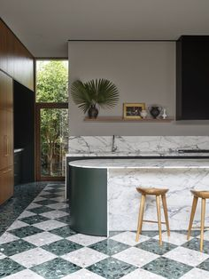 An Addition to a 1940s Home in Sydney Amplifies Its Connection to the Outdoors #dwell #homeaddition #australia #moderndesign #terrazzo Country House Colors, 1940s Home, Recycled Brick, Interior Architecture, Interior Design, Modern Interior, Shaker Style Kitchens, Modern Kitchens, Timber Panelling