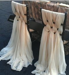 great idea for the bride and groom chairs