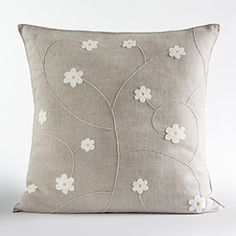 When does Ramadan begin? As every year, the arrival of Ramadan is expected with curiosity and enthus Crochet Cushion Cover, Crochet Cushions, Sewing Pillows, Scatter Cushions, Diy Pillows, Custom Pillows, Cushion Covers, Decorative Pillows, Pillow Covers