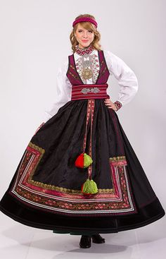 """""""Beltestakk"""" from Øst-Telemark, Telemark, Norway. This bunad have many variations. You have a lot of different choices in this buand and almost no one have the excact same model Silver Accessories, The Shining, Traditional Outfits, Norway, Scandinavian, Most Beautiful, Folk, Culture, Costumes"""