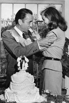 19 vintage celebrity wedding photos that are truly gorgeous: Humphrey Bogart and Lauren Bacall
