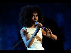 ▶ Esperanza Spalding (Afro Blue) International Jazz Day Global Concert 2013 - YouTube