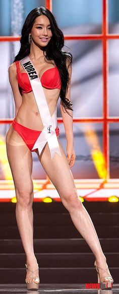 Miss Korea คิมยูมิ ในงานแข่งขัน Miss Universe 2013... Miss Universe 2013, Miss Korea, Swimsuits, Bikinis, Swimwear, Pool Fashion, Gym Gear, Pageants, Monokini