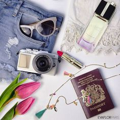 Make memories all over the world 🌏! #EVAFLORPARIS #travel #Paris #love #JeTaime #fun #vacation #happy #pretty #photo