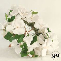 Buchet mireasa ORHIDEE Wedding Bouquets, Floral Wreath, Wreaths, Plants, Home Decor, Floral Crown, Decoration Home, Wedding Brooch Bouquets, Door Wreaths