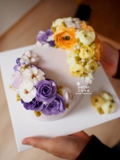 Done by student of Better class (베러 심화클래스/Advanced course) www.better-cakes.com  Inquiry : bettercakes@naver.com  - 베러케이크 / Better Cake - Butter Cream Flower Cake & Class  Seoul, Korea based http://www.better-cakes.com Instagram : @better_cake_2015 Mail : bettercakes@naver.com Line : better_cake Facebook : Sumin Lee…