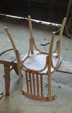 """#Monday morning! We """"dance"""" the detail of our #Scandinavian #retro chair!    Jegoods Woodworking Studio Indonesia (@jeparagoods)   Twitter"""