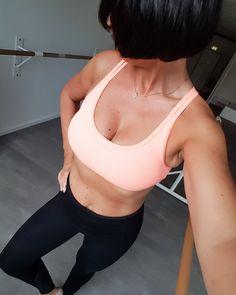 BARRE FASHION  SPORTS WEAR ACTIVE WEAR LORNA JANE #barrelife #barreshape #barrebody #barredüsseldorf #barrestyle #barreworkout #barrefitness #notyourgrandmothersballet#pilates #pilatesdüsseldorf #stayfocused #unique #realpilates #traditional #great #mystyle #fitspiration #practisedaily #inspire#ladyboss #successful #goaldigger #barrefashion #activewear