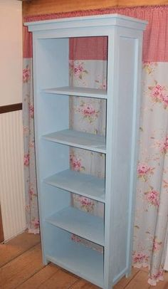 Ana White- Favorite Bookshelf Free and Easy DIY Project and Furniture Plans. Like the framed edges for our laundry room shelves. Do It Yourself Furniture, Diy Furniture Easy, Upcycled Furniture, Furniture Projects, Home Projects, Home Furniture, Furniture Design, Bookshelf Closet, Bookshelf Plans