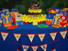 marvel diy birthday party decorations | love that all superheros are represented
