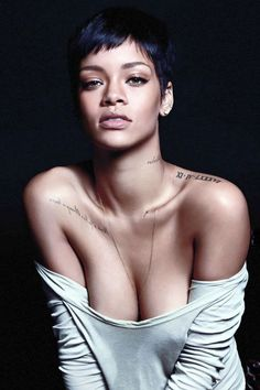 I think rihanna recognizes the most beautiful part of a women is their neck and collarbone and her tattoo's compliment hers perfectly (Beauty People Rihanna) Pixie Hairstyles, Black Women Hairstyles, Hairstyles With Bangs, Bouffant Hairstyles, Ladies Hairstyles, Wedge Hairstyles, Updos Hairstyle, Brunette Hairstyles, Asymmetrical Hairstyles