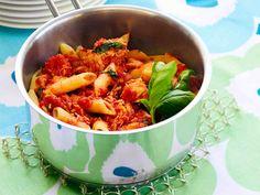 Tomaattinen tonnikalapasta - Reseptit Penne, Pasta, My Cookbook, Easy Cooking, Dinner Tonight, Shrimp, Nom Nom, Cabbage, Curry