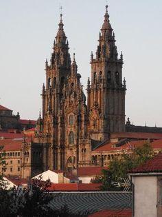 Santiago de Compostela, Espanha: La gialla Cattedrale di Santiago