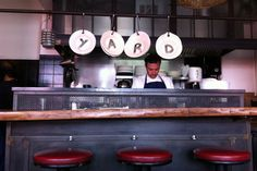 Restaurant Yard  6, rue de Mont-Louis Paris (75011) TÉL : +33 1 40 09 70 30 Métro : Philippe Auguste fermé le weekend & lundi
