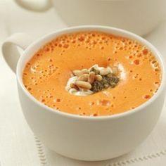 Velouté de poivrons, pesto et pignons - - Pureed Food Recipes, Veggie Recipes, Soup Recipes, Vegetarian Recipes, Cooking Recipes, Healthy Recipes, Happy Foods, Homemade Soup, Eat Smarter