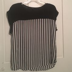 Forever 21 short sleeve black and white top Size small, Forever 21 black w/black and white stripes. Forever 21 Tops Blouses