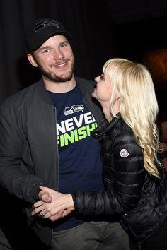 Chris Pratt and Anna Faris got supercute at a Super Bowl party.