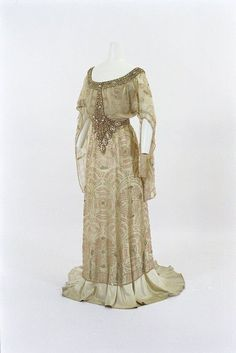 Jacques Doucet Gowns | Ladies From Other Centuries