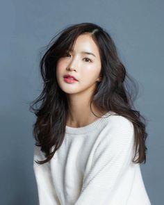 (@wjmild) Thai Model, Ulzzang Girl, Asian Beauty, Movie Stars, Cute Girls, Asian Girl, Beautiful People, Hairstyle, Celebs