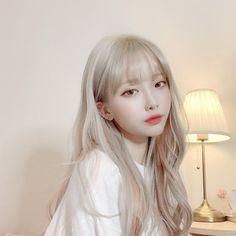 Blonde Hair Korean, Blonde Asian, Blonde Hair Girl, Brown Blonde Hair, Asian Hair, Hair Korean Style, Blonde Bangs, Asian Short Hair, Korean Hair