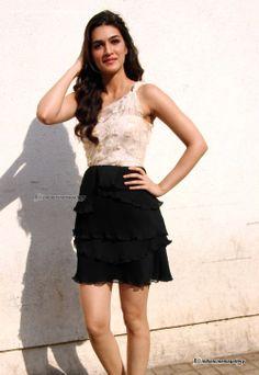 kriti Sanon at Heropanthi-Trailer-Launch ***