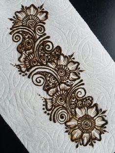 Beautiful design by @hennabyeizelle