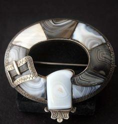 Scottish MONTROSE AGATE Pebble Garter Brooch Dated 1861