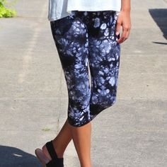 Tie Dye Yoga Capri Leggings {Charcoal}