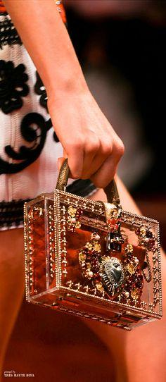 Dolce & Gabbana SS 2015 ♔ detail (Exquisite!  Beautiful D&G detail pins courtesy Tres Haute Diva/c ~)