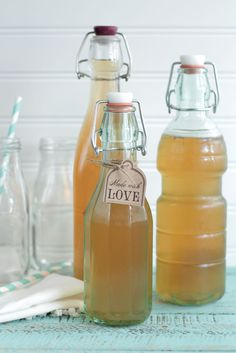 Learn how to make homemade kombucha from scratch. This fizzy, pribiotic drink is packed full of benefits and is simple to make. Homemade kombucha from Live Simply.