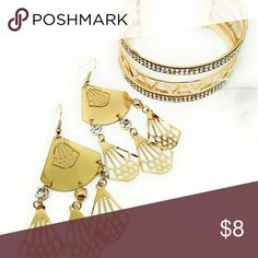 Cuff bracelet and earrings set Gold tone 💖Brand new item! 💖Used to have a fashion store at the mall, 💋💄👓💍⌚but recently decided to go back to college 🏩to get my Nursing degree 🎓so now I just sell from home. 🤗 Jewelry Bracelets