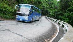 Viaducto La Farola, una de las siete maravillas de la ingeniería civil de Cuba. La Farola forma parte de la Vía Azul, carretera de 154 kilómetros que une a la ciudad con Baracoa, Primera Villa de Cuba y, que a partir de Las Guásimas, atraviesa de Sur a Norte el macizo montañoso Sagua-Baracoa en zigzagueante recorrido de 30 kilómetros.
