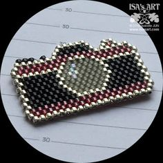 ISA'sART: BEADS AND BIJOUX - Ornement perlé appareil photo (schéma - peyote et brick stitch)
