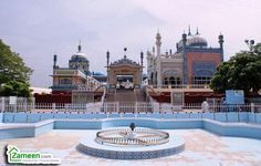 Bhong Mosque is located in the village of Bhong, Sadiqabad Tehsil, Rahim Yar Khan District, Southern Punjab Pakistan.