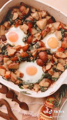 Healthy Breakfast Recipes, Healthy Snacks, Vegetarian Recipes, Breakfast Ideas, Cooking Recipes, Breakfast Hash, Cocinas Kitchen, Cafe Food, Aesthetic Food