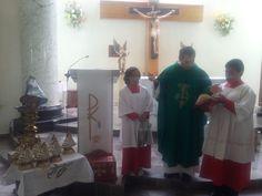 En la misa de la 1:00 pm tuvimos la bendición de las imágenes de #NuestraSeñoraDelosRemedios, que va estar visitando las casas de todos los sectores de nuestra comunidad parroquial.