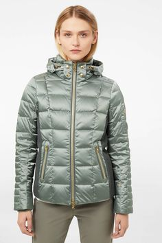 Ski jackets with style for every taste, convince yourself! Find exclusive ladies jackets from BOGNER and FIRE+ICE! Down Ski Jacket, Red Olive, Ski Wear, Puffy Jacket, Brown And Grey, Skiing, Winter Outfits, Overalls, Jackets For Women