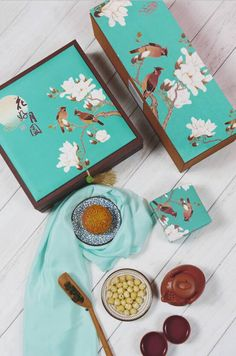 1 Cake Packaging, Gift Box Packaging, Packaging Design, Graphic Design Branding, Red Packet, Asian Design, Tea Box, Mid Autumn Festival, Moon Cake
