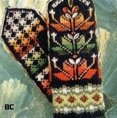 Top y la inserción (detalle) en la técnica rumano (shnurkovogo) los encajes Knitted Mittens Pattern, Fair Isle Knitting Patterns, Crochet Gloves, Knit Mittens, Knitting Socks, Knit Crochet, Textiles Techniques, Knitting Projects, Needlework