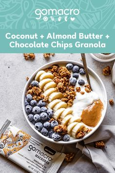Easy Keto Recipes Discover Coconut Almond Butter Chocolate Chips Granola What could be better than granola made with your favorite MacroBar? Check out this twist on a classic snack staple! Yummy Healthy Snacks, Healthy Meal Prep, Healthy Breakfast Recipes, Snack Recipes, Cooking Recipes, Yummy Food, Healthy Recipes, Healthy Eating, Healthy Tips