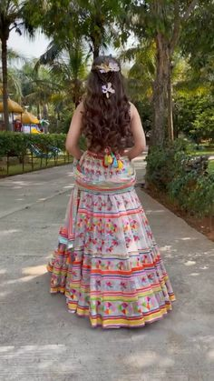 Party Wear Indian Dresses, Designer Party Wear Dresses, Indian Gowns Dresses, Indian Bridal Outfits, Indian Bridal Fashion, Indian Fashion Dresses, Dress Indian Style, Indian Designer Outfits, Girls Fashion Clothes