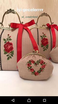 Quilted Tote Bags, Reusable Tote Bags, Floral Clutches, Frame Purse, Fabric Handbags, Embroidery Bags, Brazilian Embroidery, Chunky Crochet, Crochet Purses
