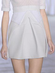 puta-a-couture: lamorbidezza: Preen primavera 2011 Detalles de la Alta Costura de blogs :)