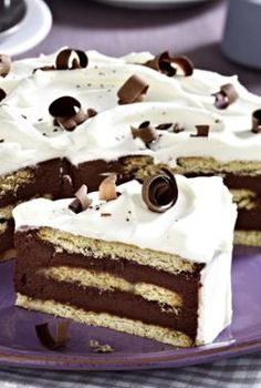 Schoko-Keks-Torte: http://kochen.bildderfrau.de/rezepte/rezept_schoko-keks-torte_314651.aspx  #torte