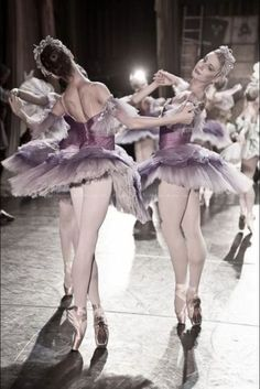(via Ballet Dancers | ❤ Plum Dusty ❤ | Pinterest)