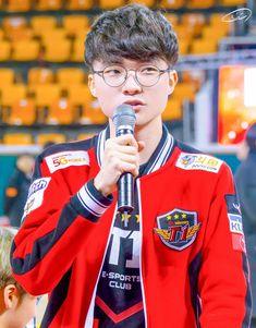 Skt Faker, Skt T1, Sk Telecom, Lol, Sports Clubs, League Of Legends, Korea, Baseball Cards, League Legends