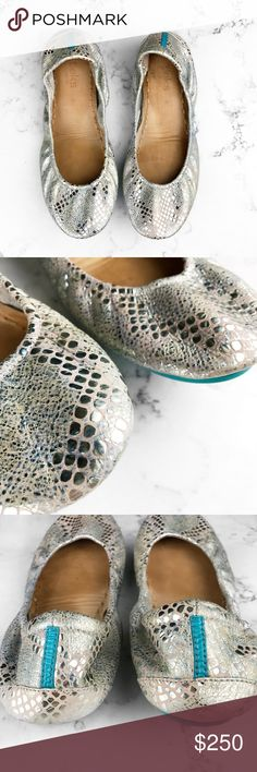 T i e k s • R o m a n t i c  B l u s h • Sz 9 Romantic Blush Tieks are truly dreamy. Sparkling silver foil accents and a soft pink hue give this hand-painted metallic print its eye-catching and elegant look, perfect for day, night, and season to season. 100% premium, soft, full-grain leather Non-elasticized, cushioned back Non-skid rubber soles and cushioned instep Tieks Shoes Flats & Loafers